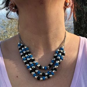 Cool beaded necklace Blk, Blue, Silver
